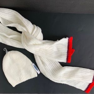 Old Navy Knitted Hat and Scarf